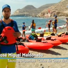 kayak Cabo de Gata Activo en Salud al Día (Canal Sur). Visitamos la Cala de San Pedro